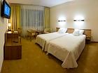 Hotel Victor PruszkĂlw by DeSilva